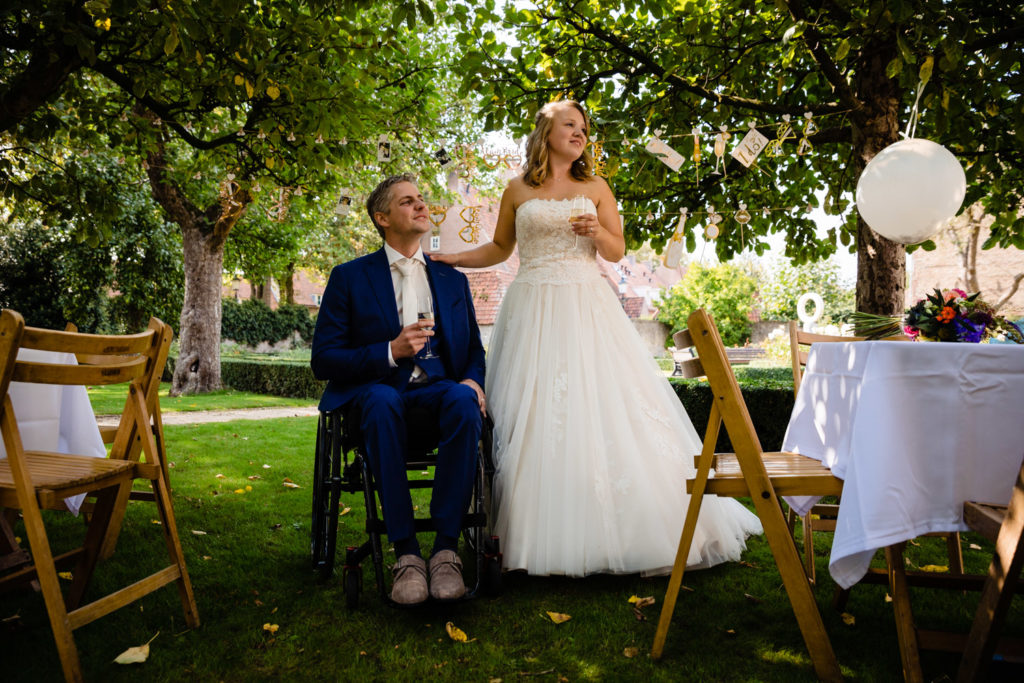 bruiloft, bruiloftsfotograaf, liefdemoetjevieren, babettrommelenfotografie, babet trommelen fotografie ,trouwen in 2019, Gouverneurshuis, Ammerzoden, weddingcouple, couple, beautiful, september, september bride, bride, groom, trouwen in september