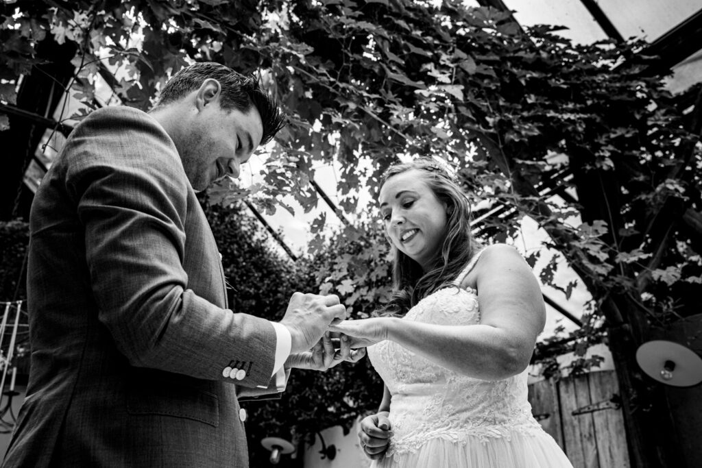LIEFDEMOETJEVIEREN-Domaine-heerstaayen-strijbeek-trouweninbrabant-bruidsfotograaf-brabant-trouwen-bruiloft-21
