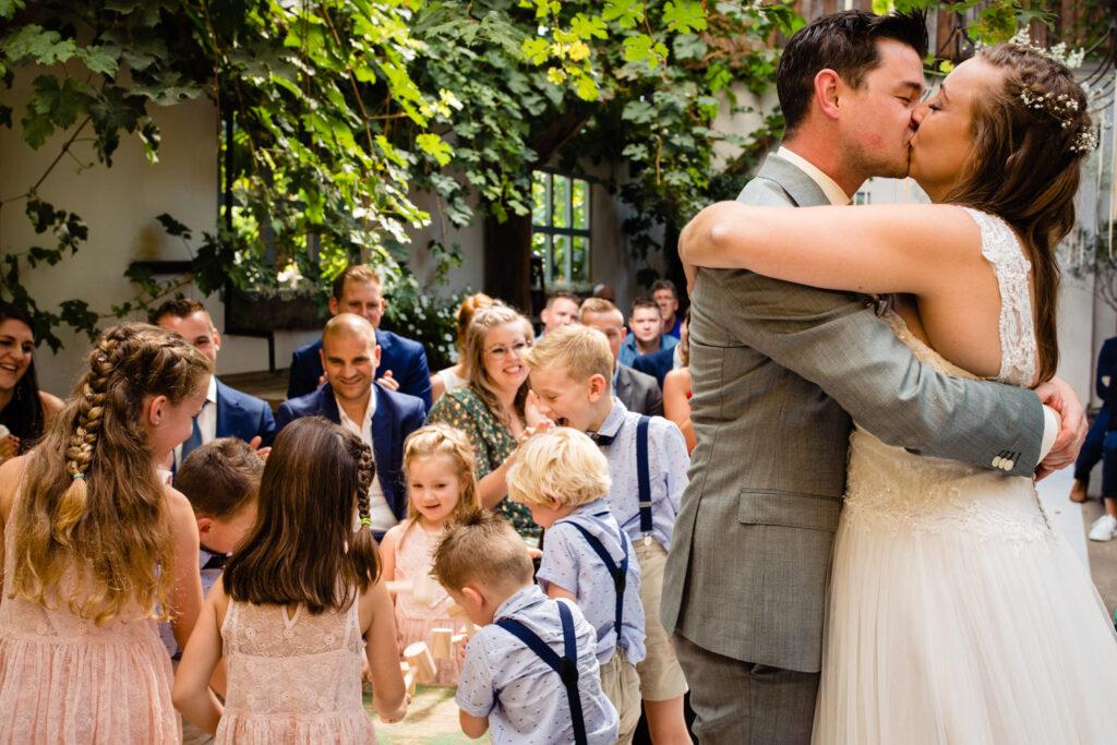 LIEFDEMOETJEVIEREN-Domaine-heerstaayen-strijbeek-trouweninbrabant-bruidsfotograaf-brabant-trouwen-bruiloft-23