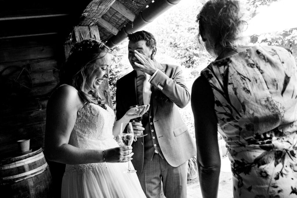LIEFDEMOETJEVIEREN-Domaine-heerstaayen-strijbeek-trouweninbrabant-bruidsfotograaf-brabant-trouwen-bruiloft-33