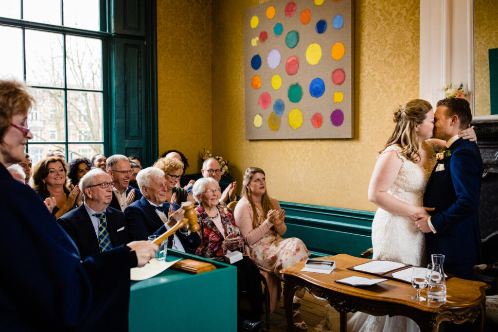 LIEFDEMOETJEVIEREN-Huize-Frankendael-restaurant-merkelbach-trouwen-amsterdam-bruidsfotograaf-trouwenindewinter-21