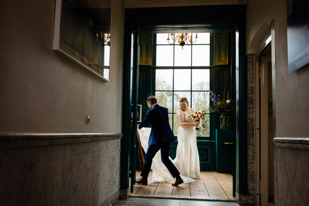 LIEFDEMOETJEVIEREN-Huize-Frankendael-restaurant-merkelbach-trouwen-amsterdam-bruidsfotograaf-trouwenindewinter-9
