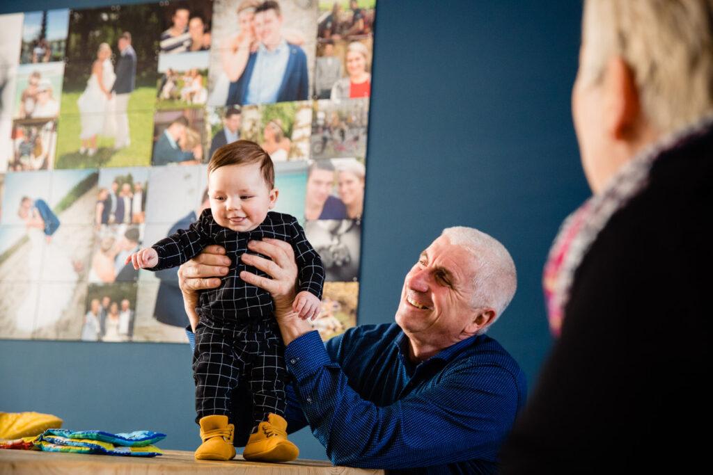 LIEFDEMOETJEVIEREN-mijn-eerste-jaartje-luuk-fotograaf-fotografie-lifestylefotografie-lifestylereportage-brabant-mijneerstejaartje-11