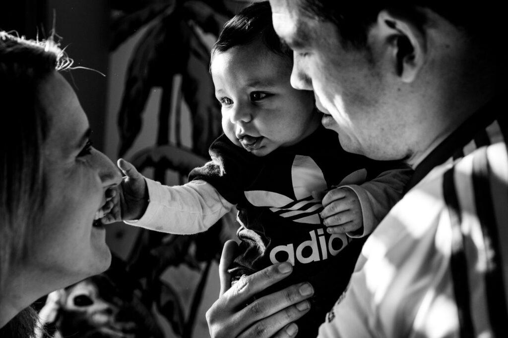 LIEFDEMOETJEVIEREN-mijn-eerste-jaartje-luuk-fotograaf-fotografie-lifestylefotografie-lifestylereportage-brabant-mijneerstejaartje-15