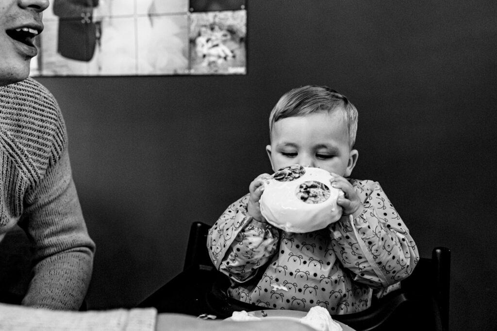 LIEFDEMOETJEVIEREN-mijn-eerste-jaartje-luuk-fotograaf-fotografie-lifestylefotografie-lifestylereportage-brabant-mijneerstejaartje-31