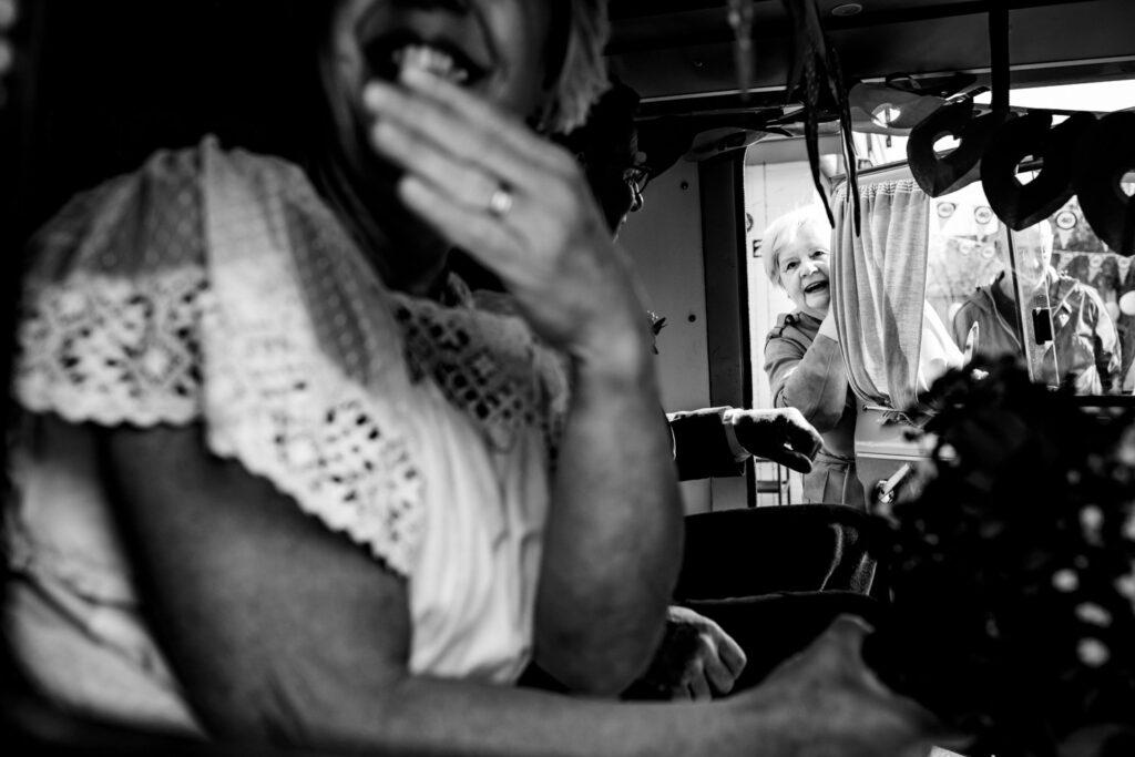 LIEFDEMOETJEVIEREN-dongen-verrassingstour-lifestylefotografie-brabant-brabantsefotograaf-40jaargetrouwd-journalistiekefotografie-documantaire-babetfotografeertherinneringen
